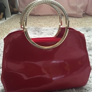 Red patent leather handbag ( used 1 time)